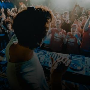Dagens PostBilder 5 DJ utrustningar du behöver på alla live kasinon Det viktigaste 300x300 - 5 DJ-utrustningar du behöver på alla live kasinon