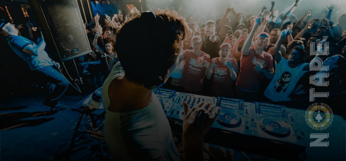 Dagens PostBilder 5 DJ utrustningar du behöver på alla live kasinon Det viktigaste - 5 DJ-utrustningar du behöver på alla live kasinon